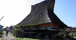 Desa Lingga