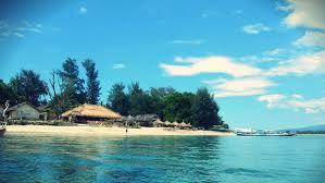 Pantai dengan Pemandangan Cantik