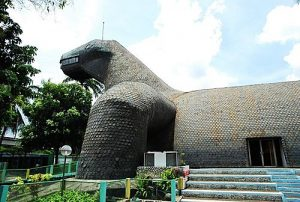 Museum Fauna Indonesia (Museum Komodo) dan Taman Reptilia