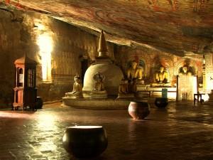Dambulla cave temple image 2