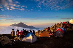 Mendaki Gunung Prau