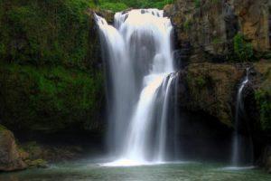 Keindahan Air terjun Tegenungan