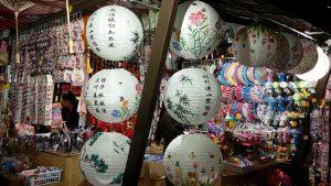 Wisata Belanja di Chinatown Bandung