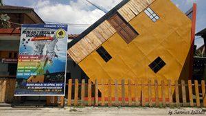 Rumah Terbalik Indonesia Solo