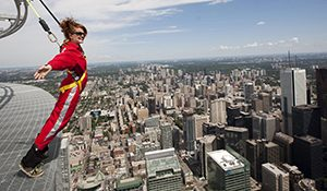 CN Tower Edge Walking, Kanada