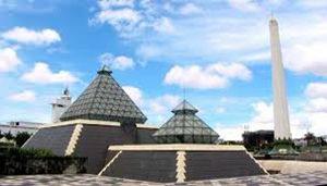 Museum & Tugu Pahlawan