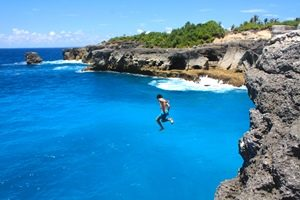 Blue Lagoon cliff jumping