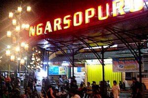 Pasar Malam Ngarsopura Kota Solo