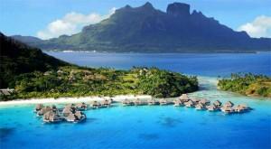 Pantai Ora-Maluku Tengah
