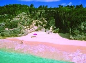 Pantai tiga warna