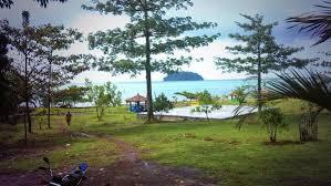 Pantai Gua Manik