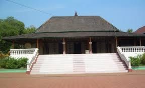Wisata Religi Masjid Mantingan