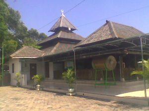 masjid-makam-taman