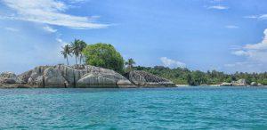 Pulau Lengkuas Belitung yang Wajib Dikunjungi