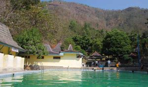 Pemandian Banyu Anget wisata di pacitan