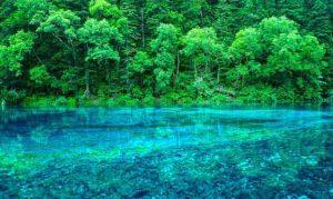 tempat wisata terindah di dunia - Crystalline Turquoise Lake, Cina