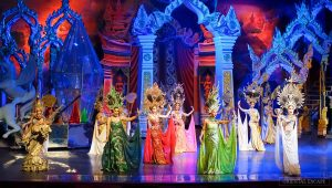 Tiffany's ladyboy cabaret show - tempat wisata di pattaya