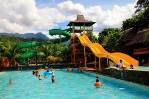 Water Boom Kampung -Tempat Wisata di Karawang Yang Murah