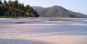 Pantai Legon Lele