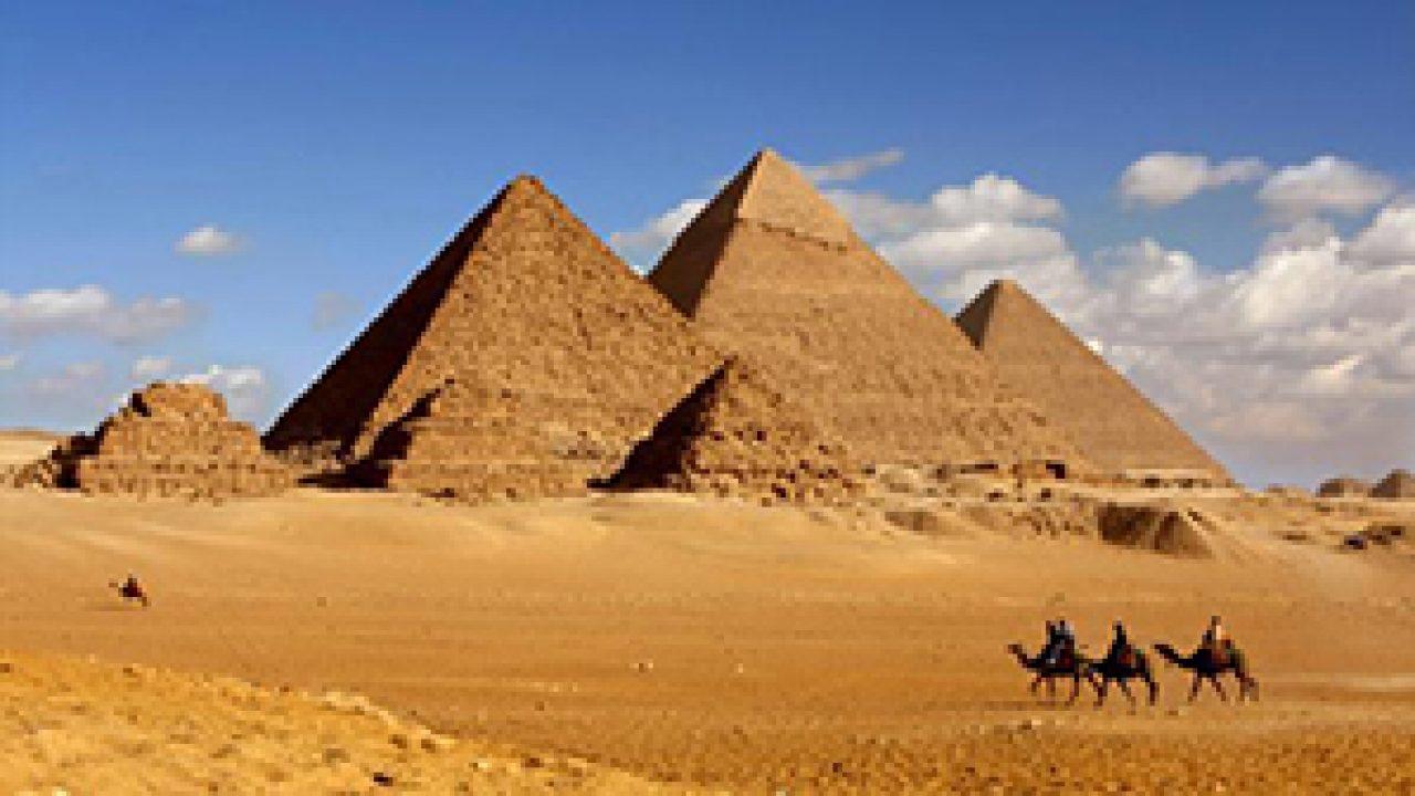 10 Tempat Wisata Bersejarah Dunia Paling Terkenal